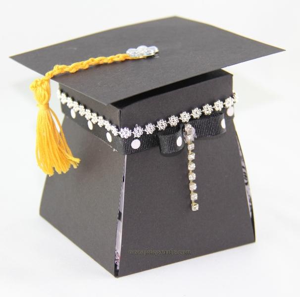 graduation-exploding-box3