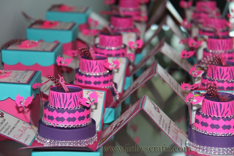 masquerade-box-invitations1
