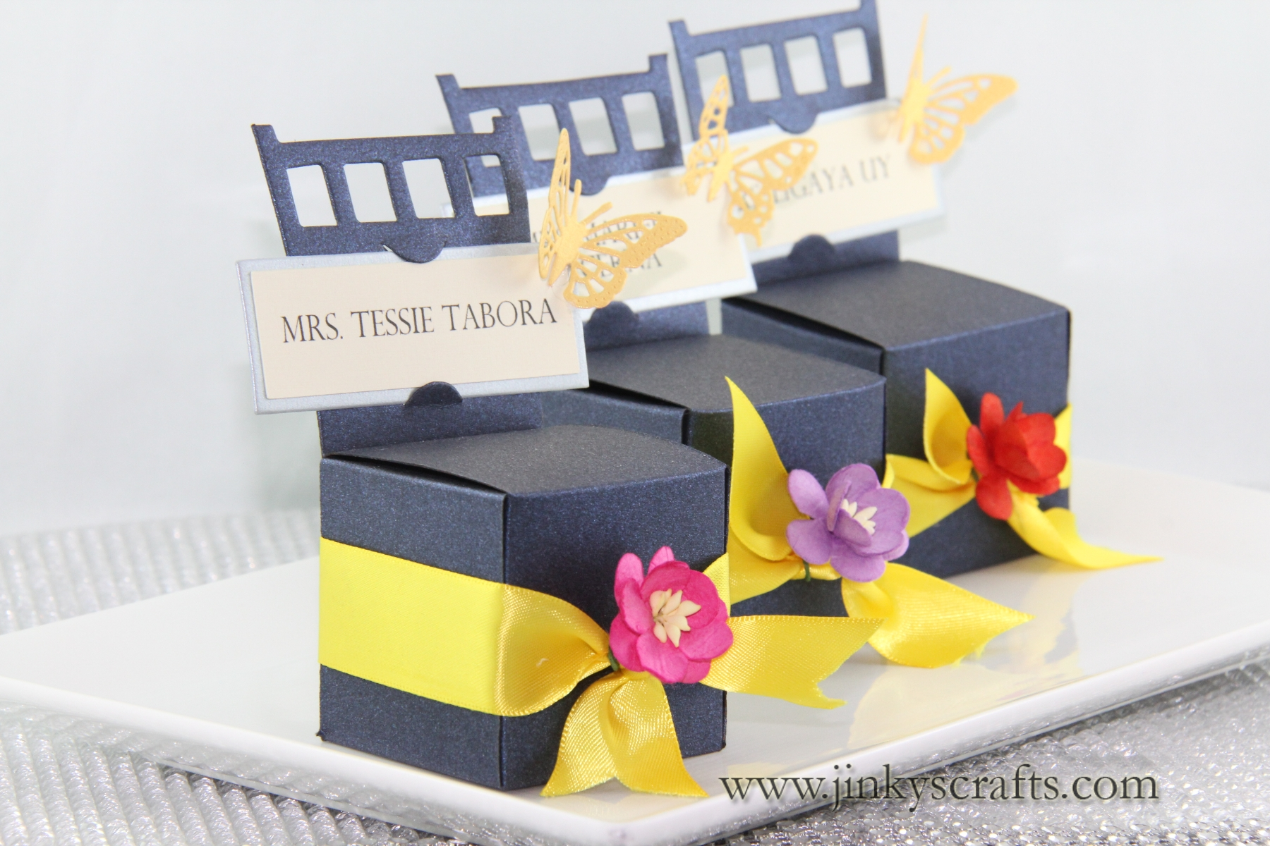 CHAIR GIFT BOX PLACE CARD HOLDER